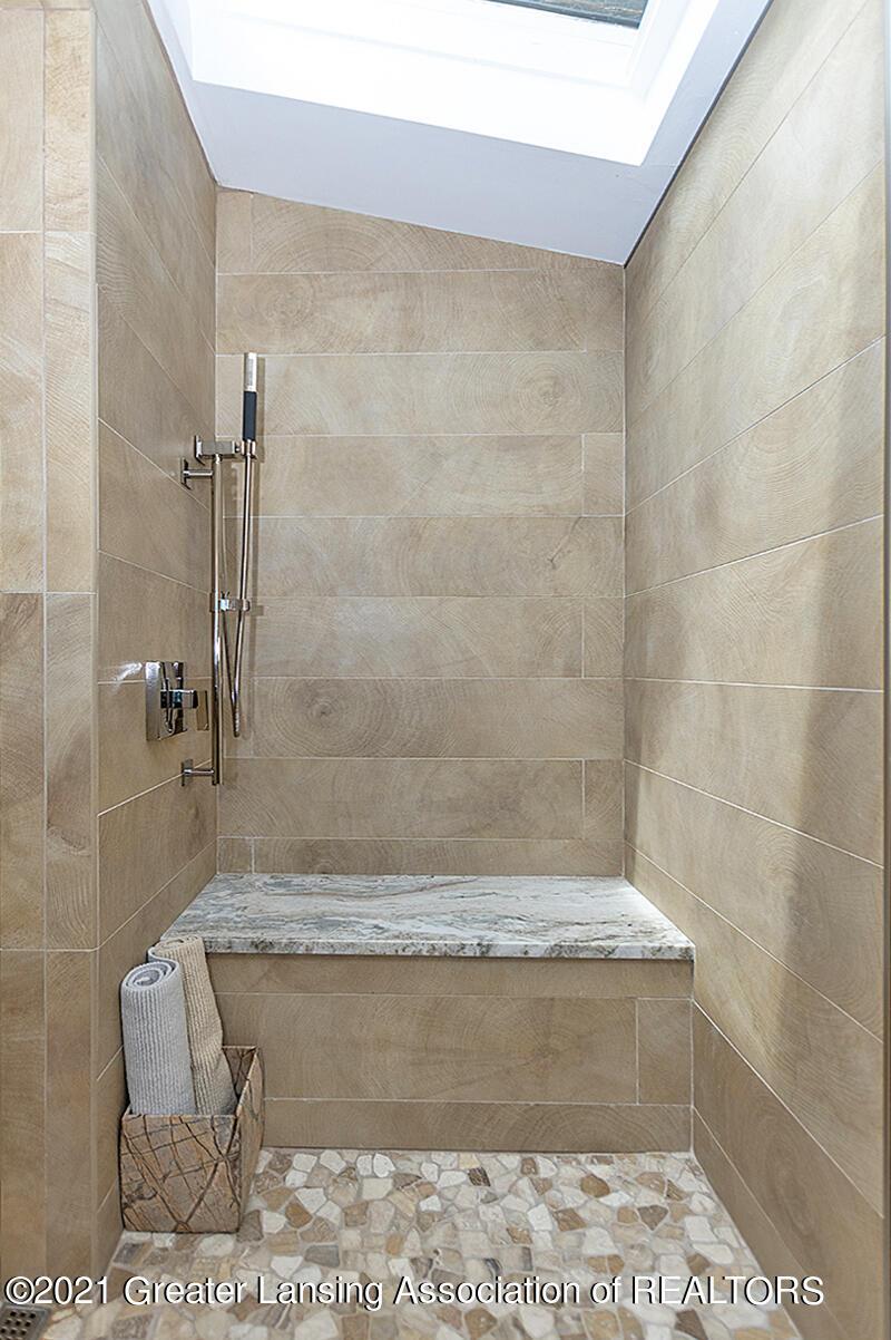308 S Circle Dr - Full Bathroom - 31