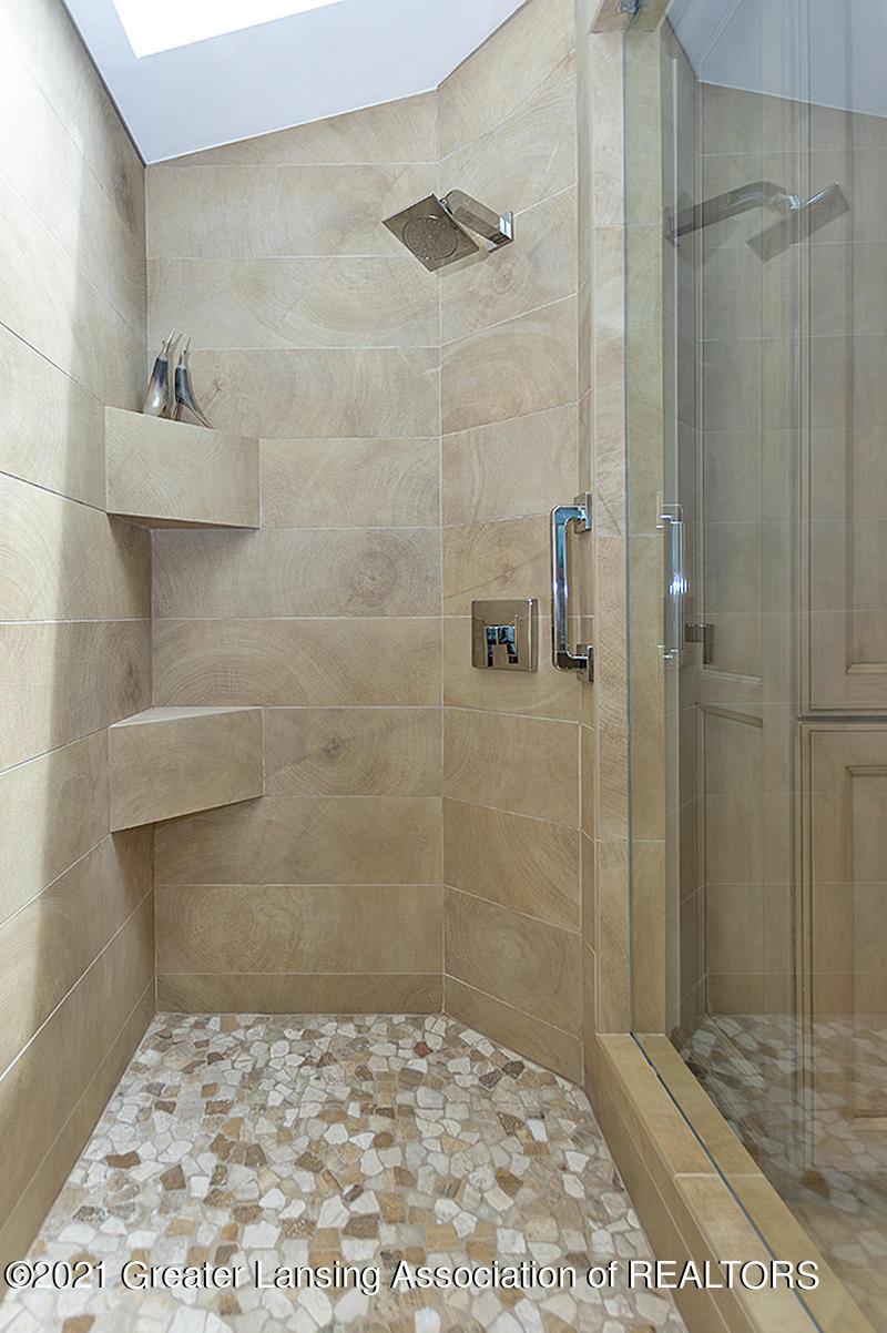 308 S Circle Dr - Full Bathroom - 32