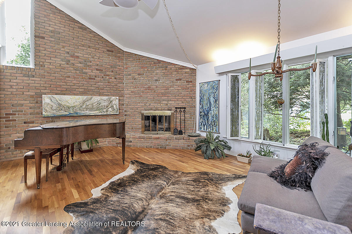 308 S Circle Dr - Great Room - 9