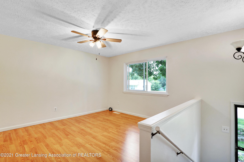 5983 Cypress St - Living Room - 8