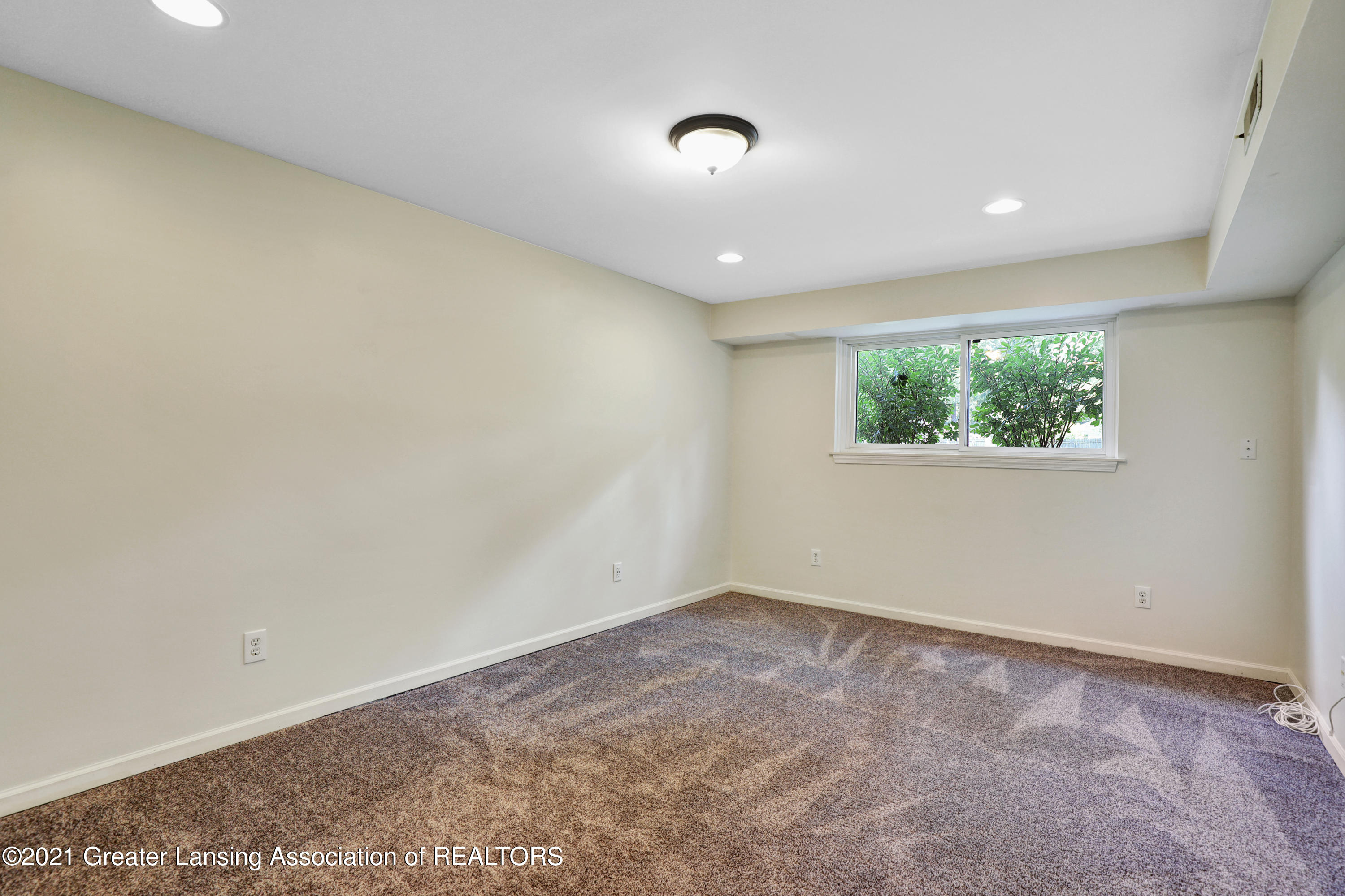 5983 Cypress St - Lower Level Family Room - 22