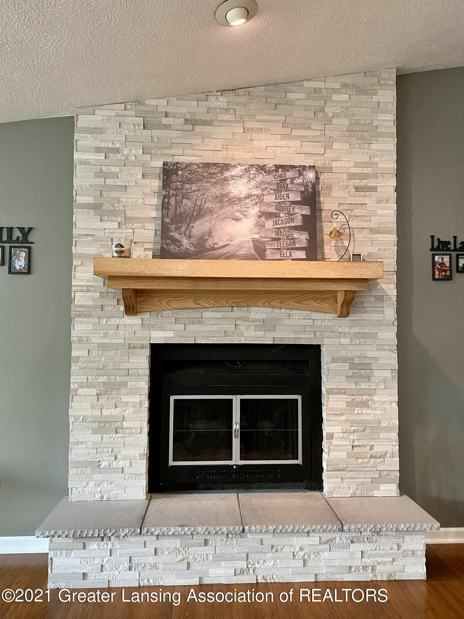 5598 Wood Valley Dr - IMG_7392 - 11