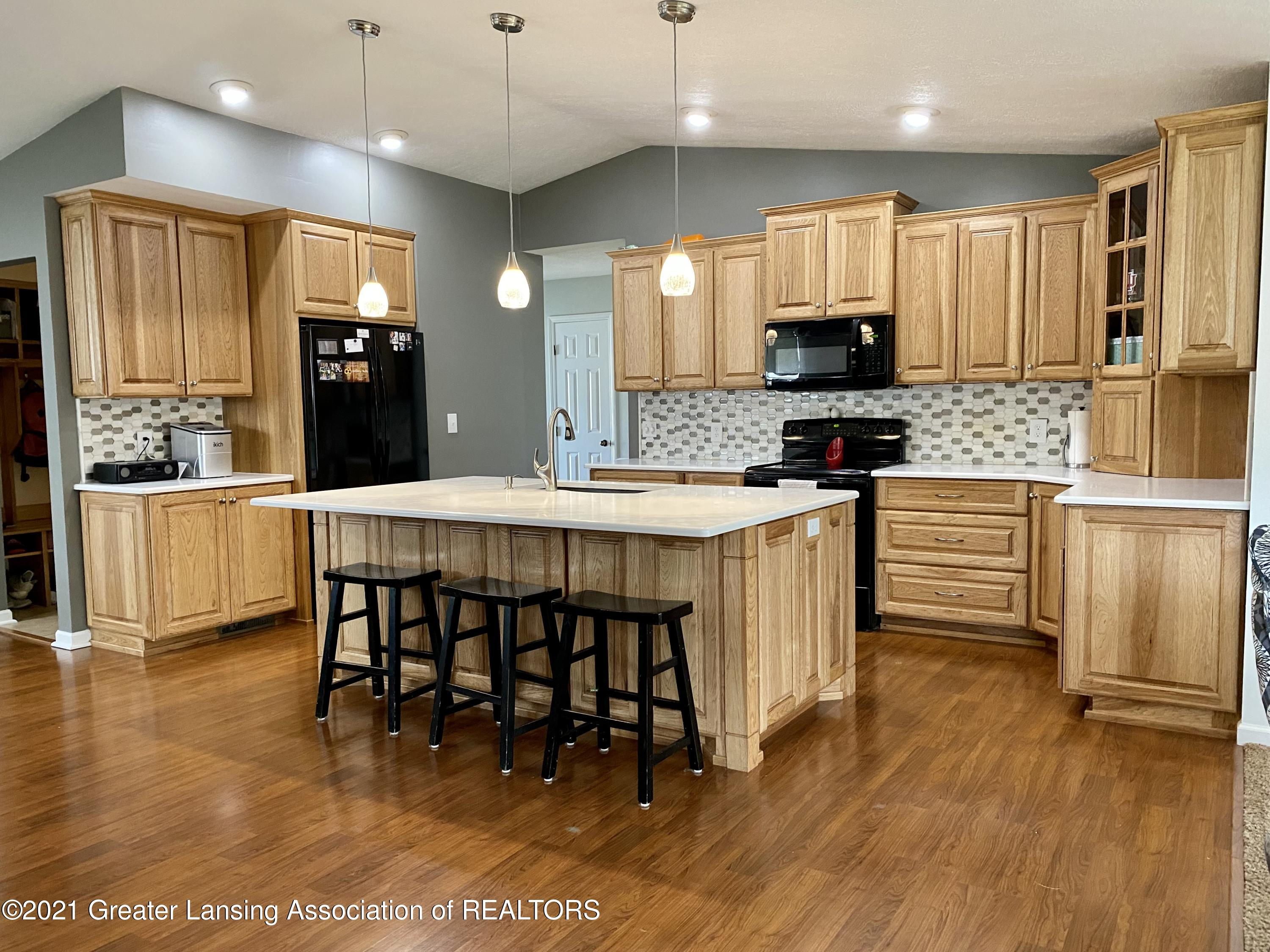 5598 Wood Valley Dr - IMG_7395 - 5