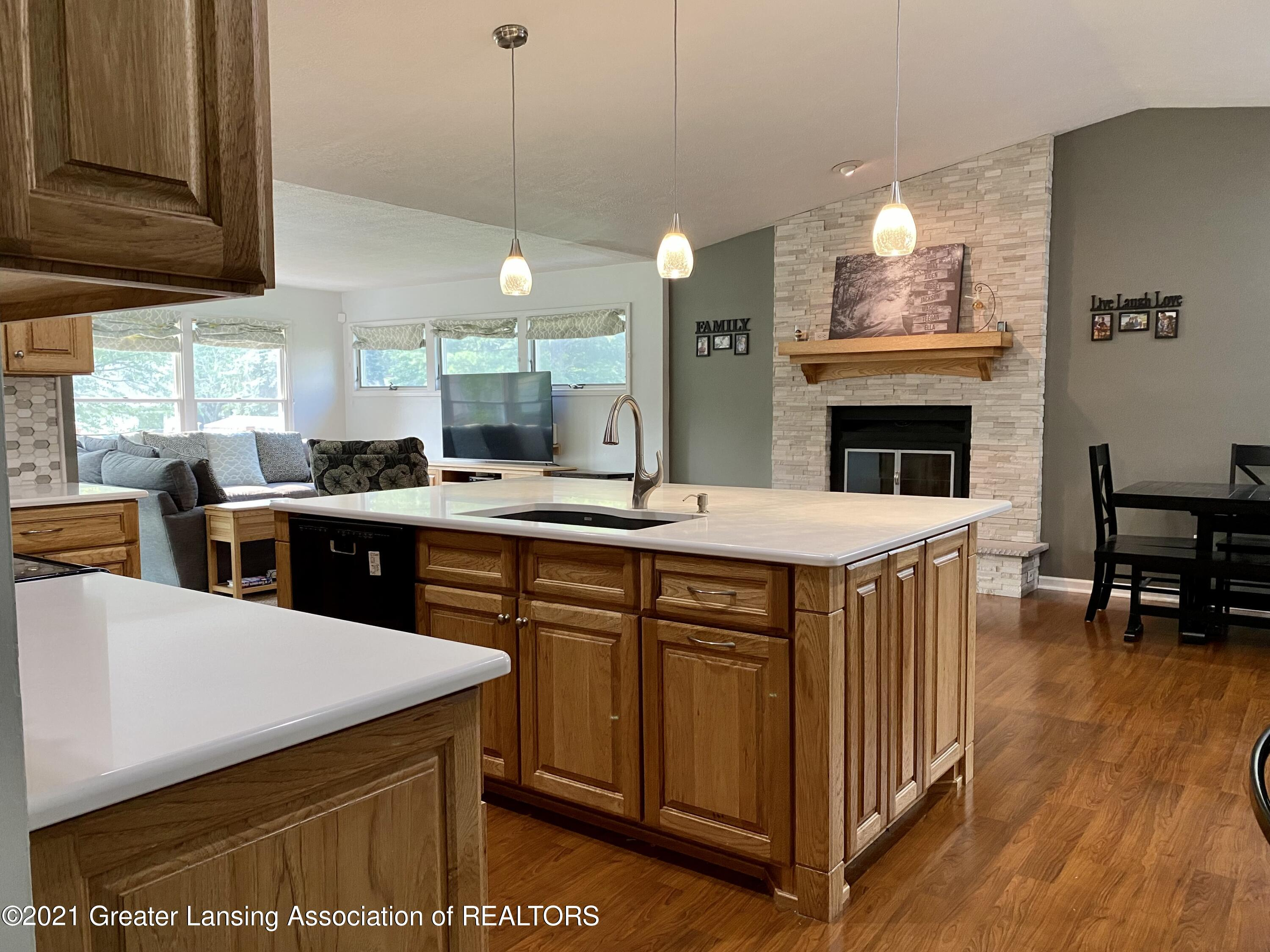 5598 Wood Valley Dr - IMG_7396 - 7