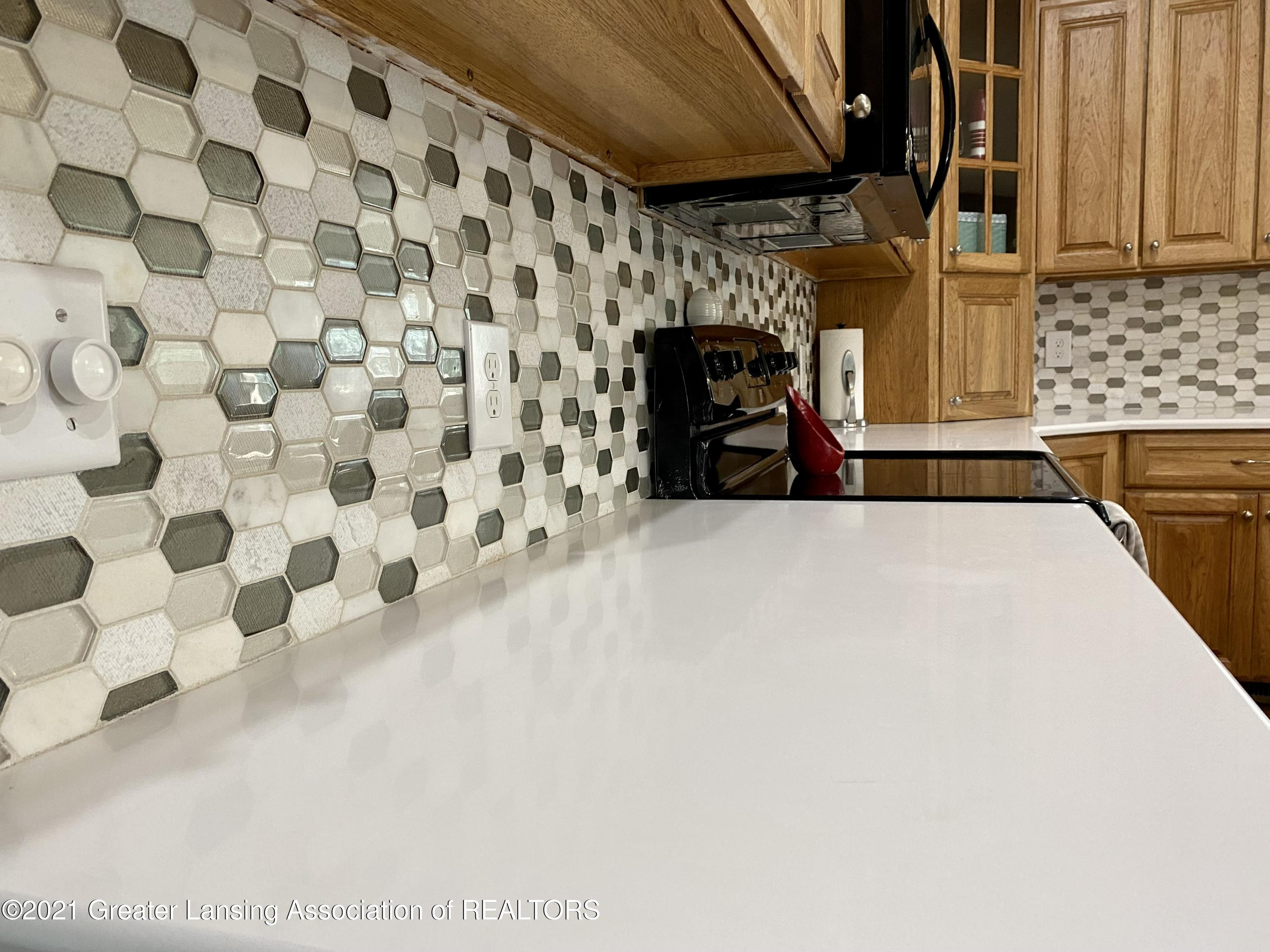 5598 Wood Valley Dr - IMG_7399 - 9