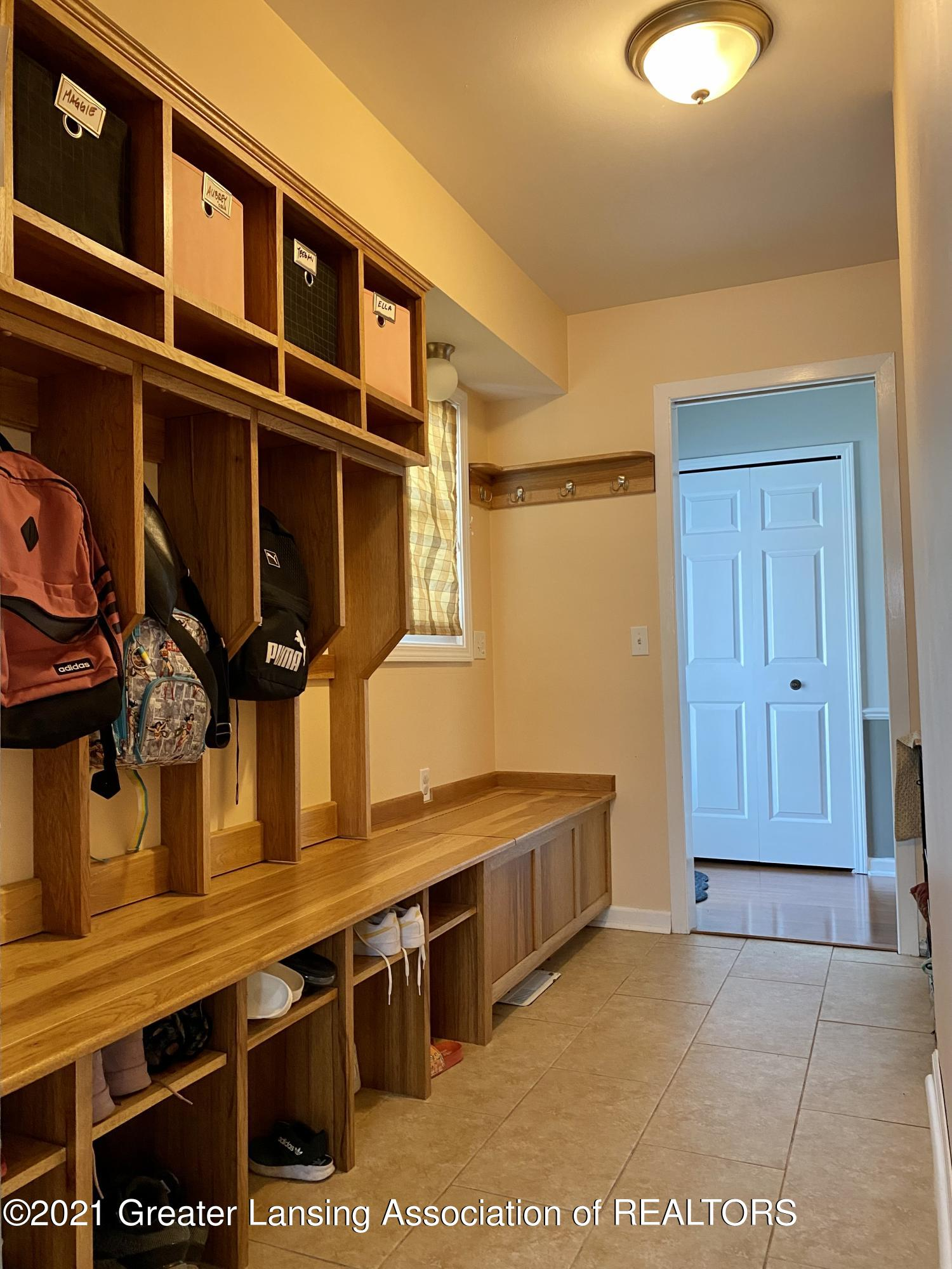 5598 Wood Valley Dr - IMG_7403 - 4