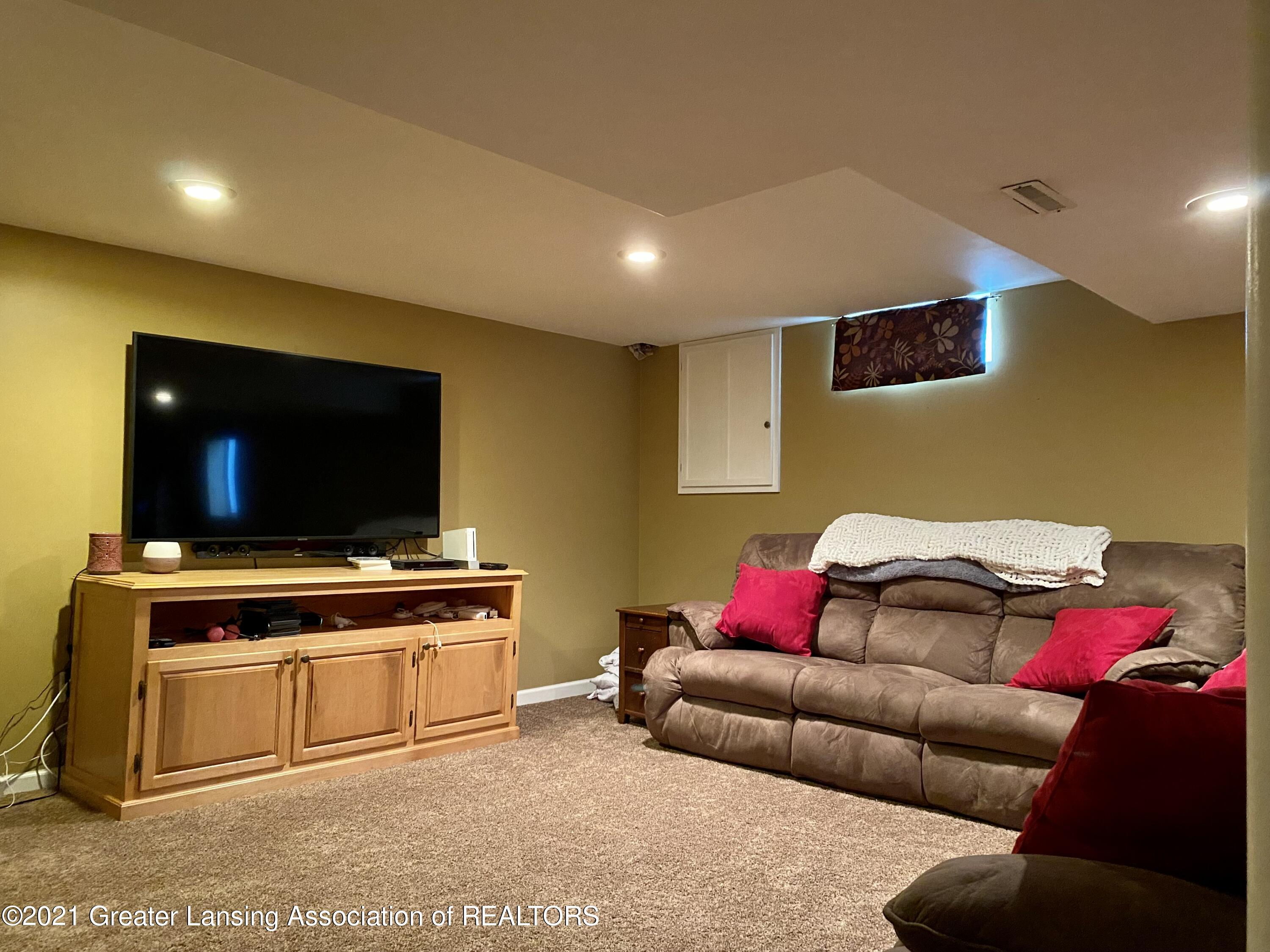 5598 Wood Valley Dr - IMG_7428 - 24