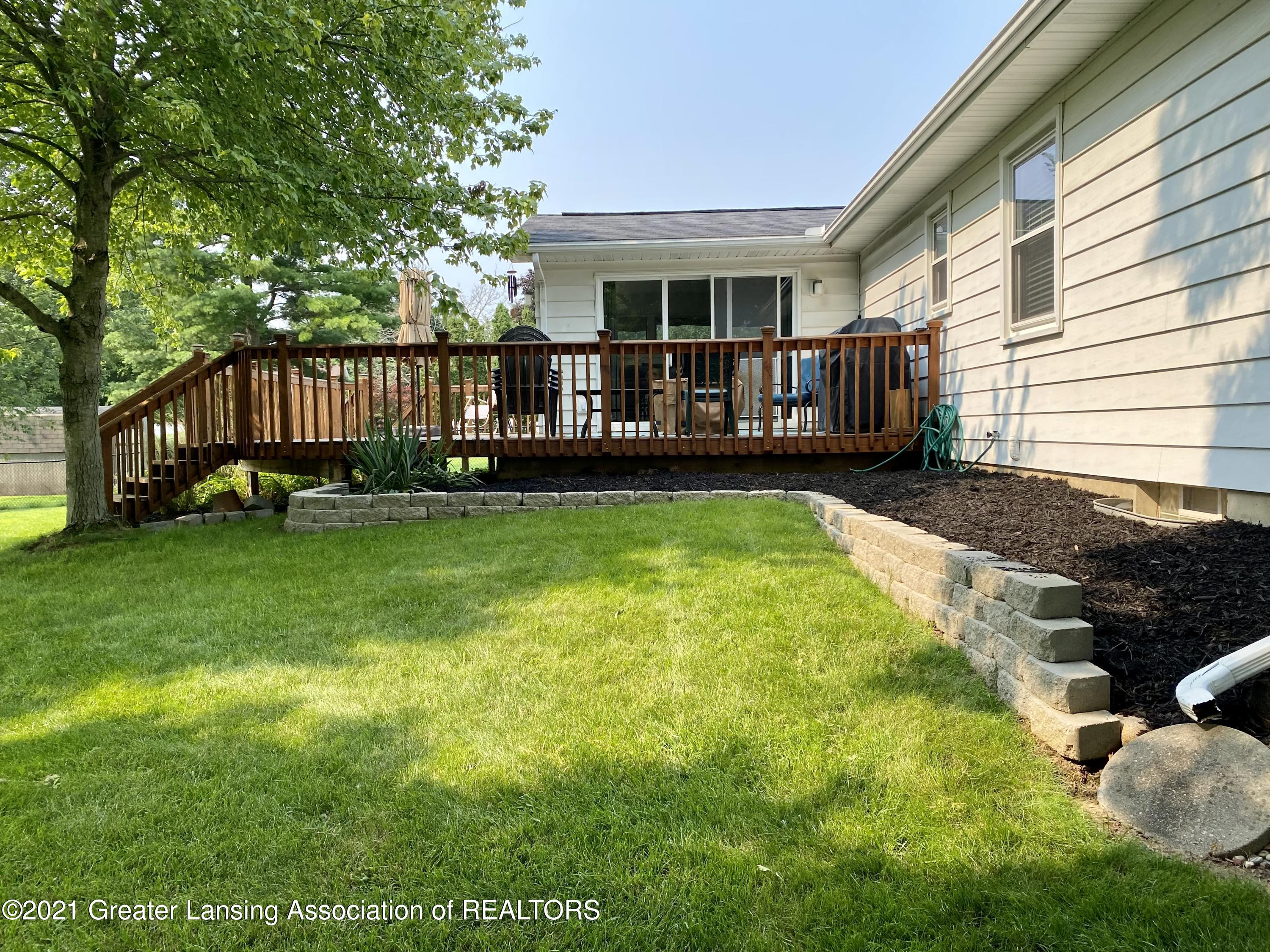 5598 Wood Valley Dr - IMG_7434 (1) - 31