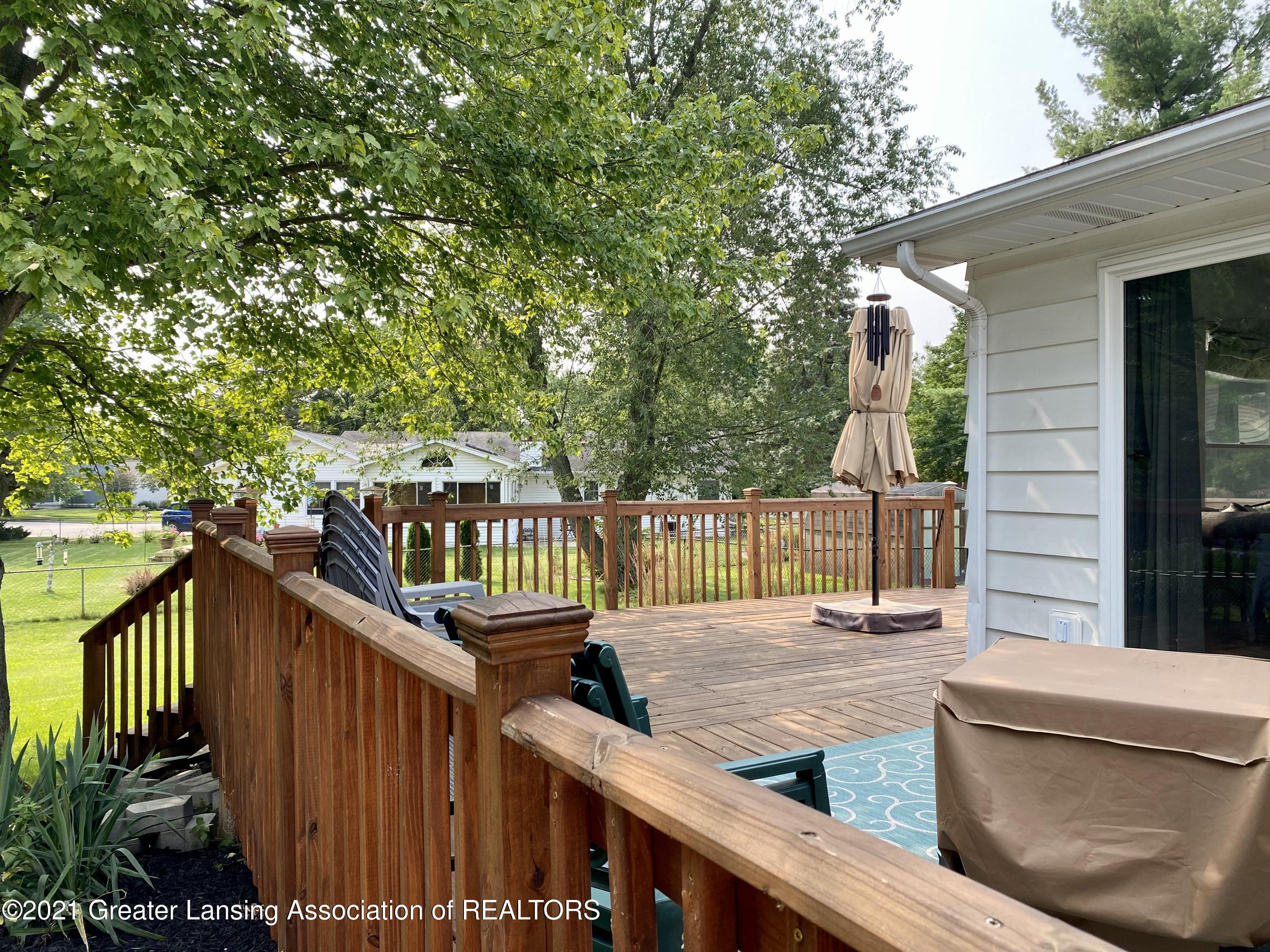 5598 Wood Valley Dr - IMG_7435 (1) - 32