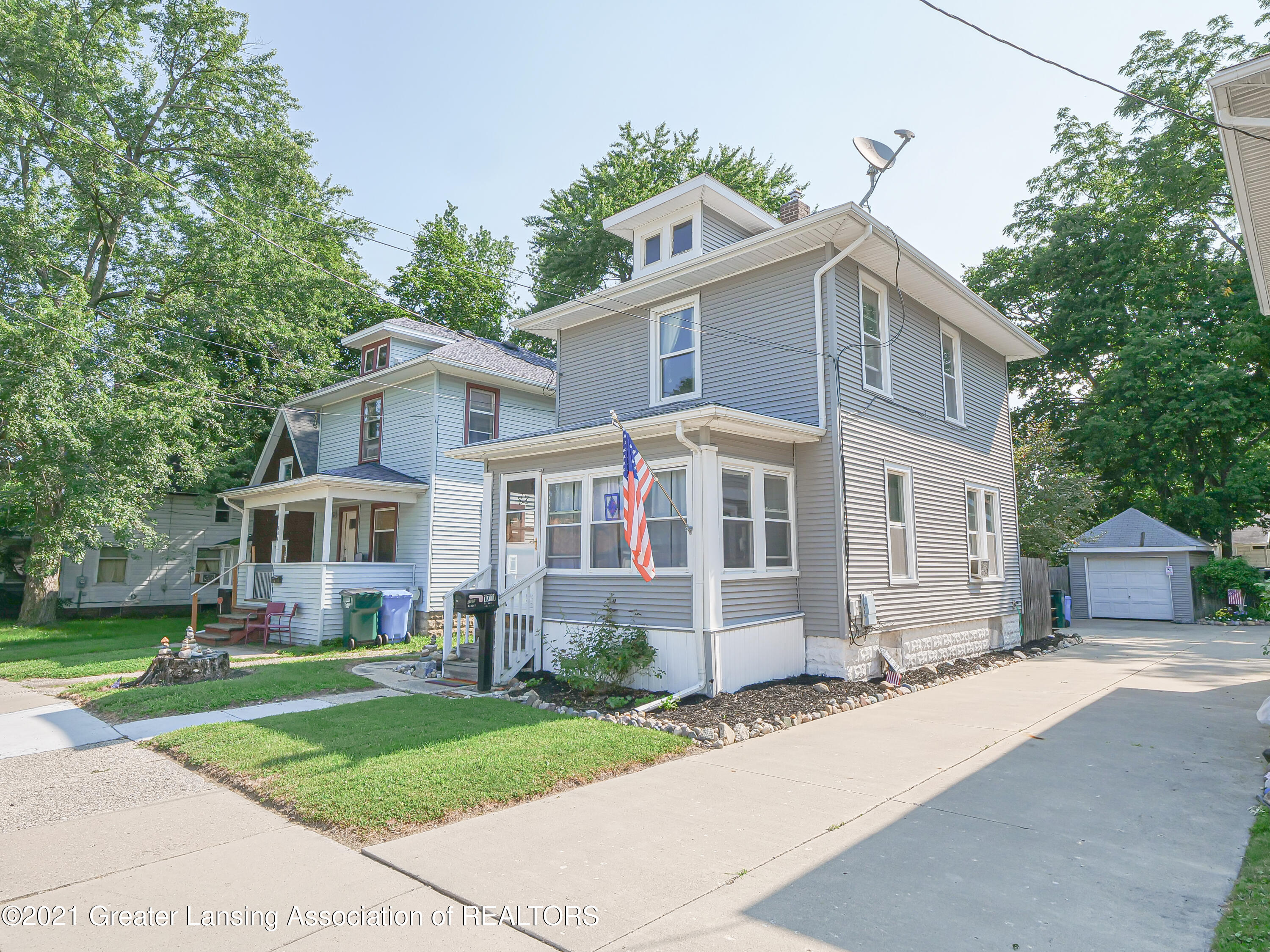 1711 Bailey St - front - 1