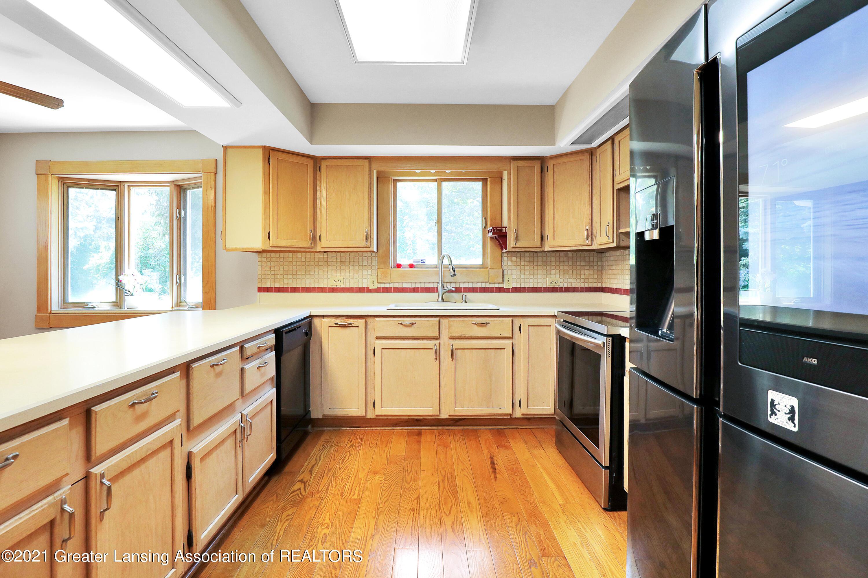 740 Linn Rd - Kitchen - 33