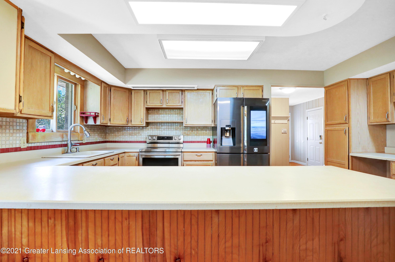 740 Linn Rd - Kitchen - 36