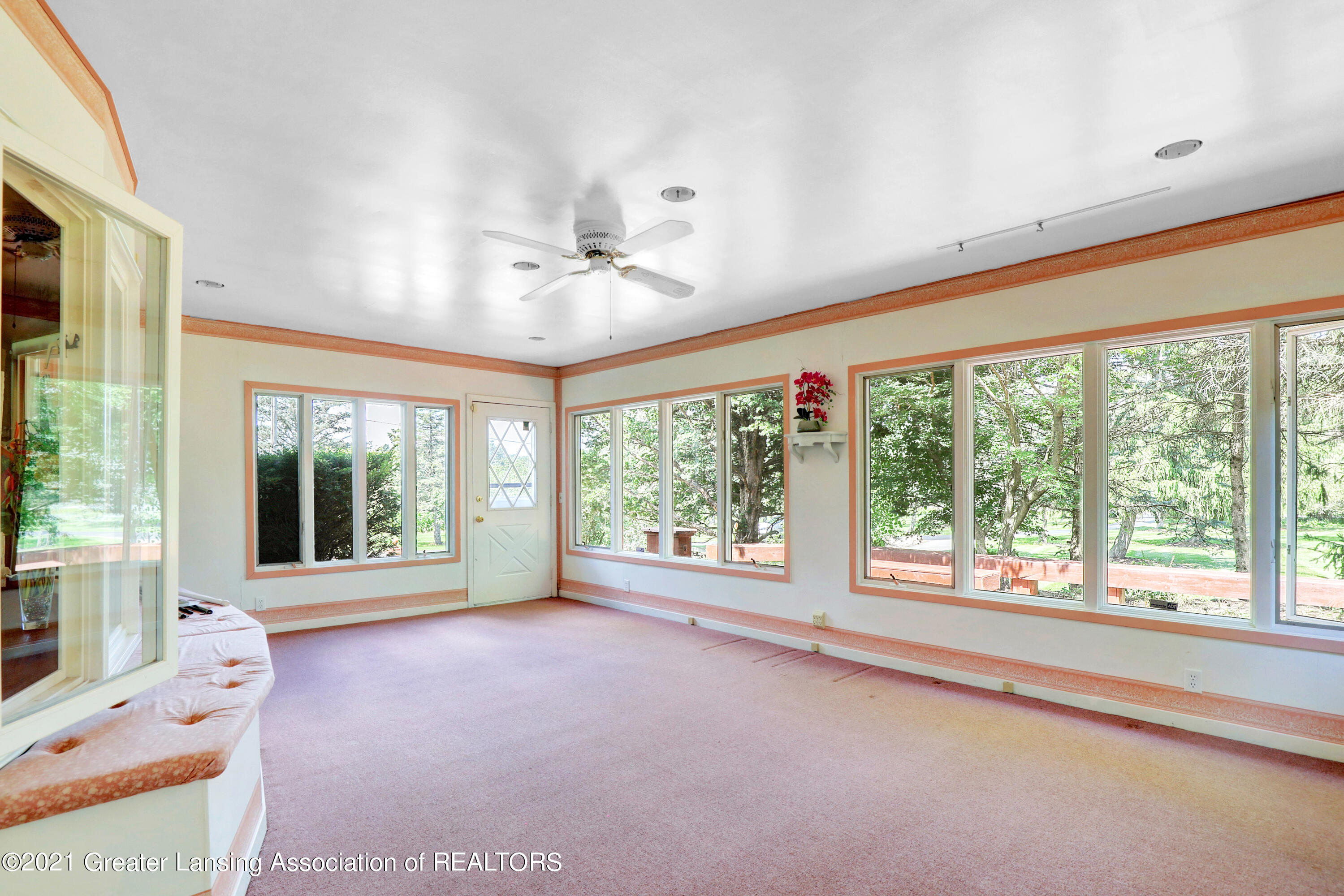 740 Linn Rd - Front Screened Porch - 27