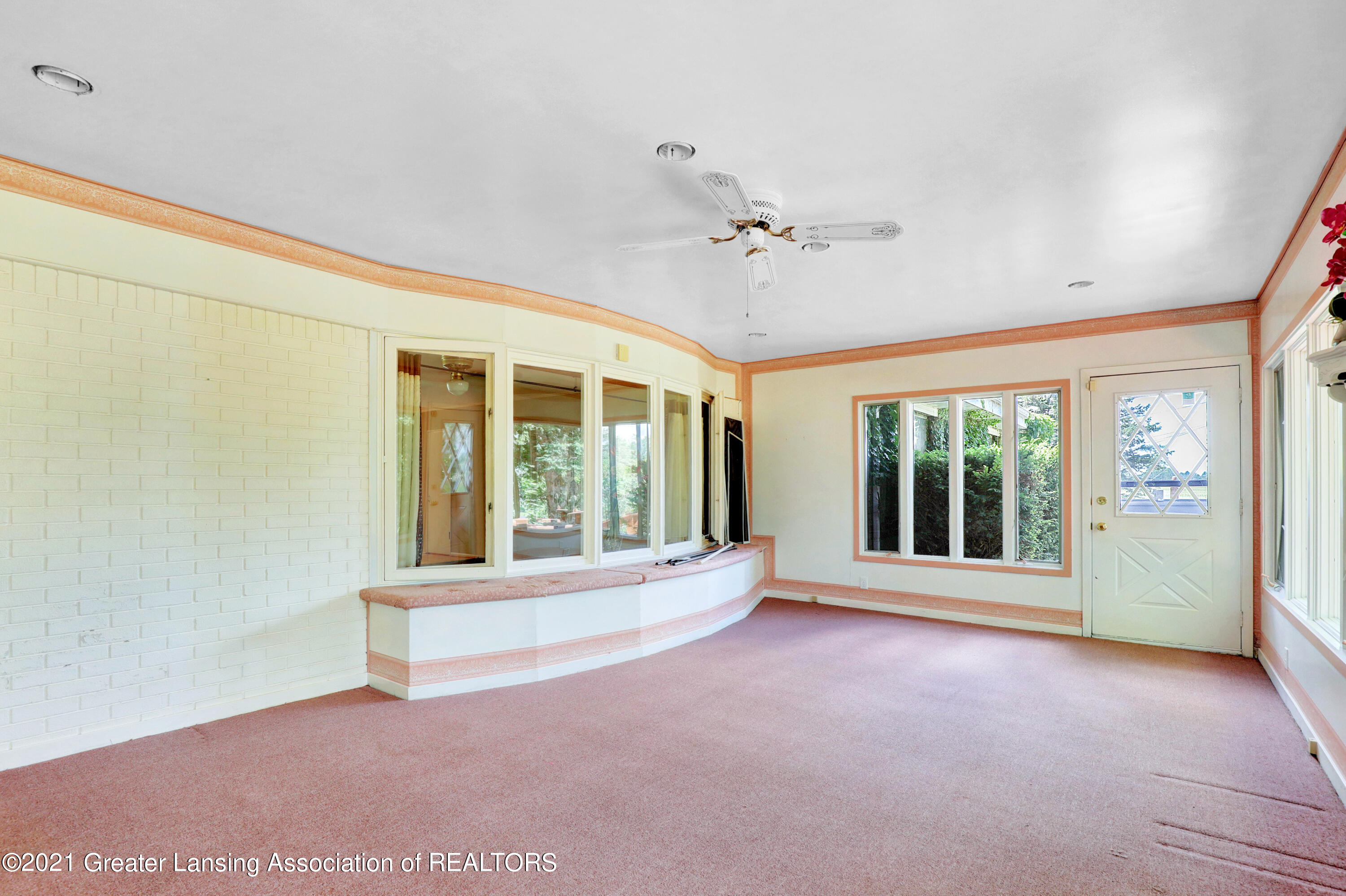 740 Linn Rd - Front Screened Porch - 28