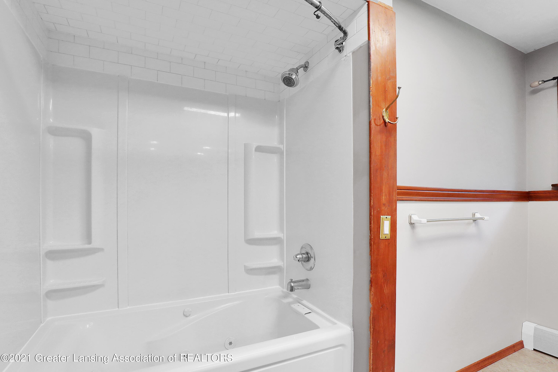 740 Linn Rd - Full Bath - 47