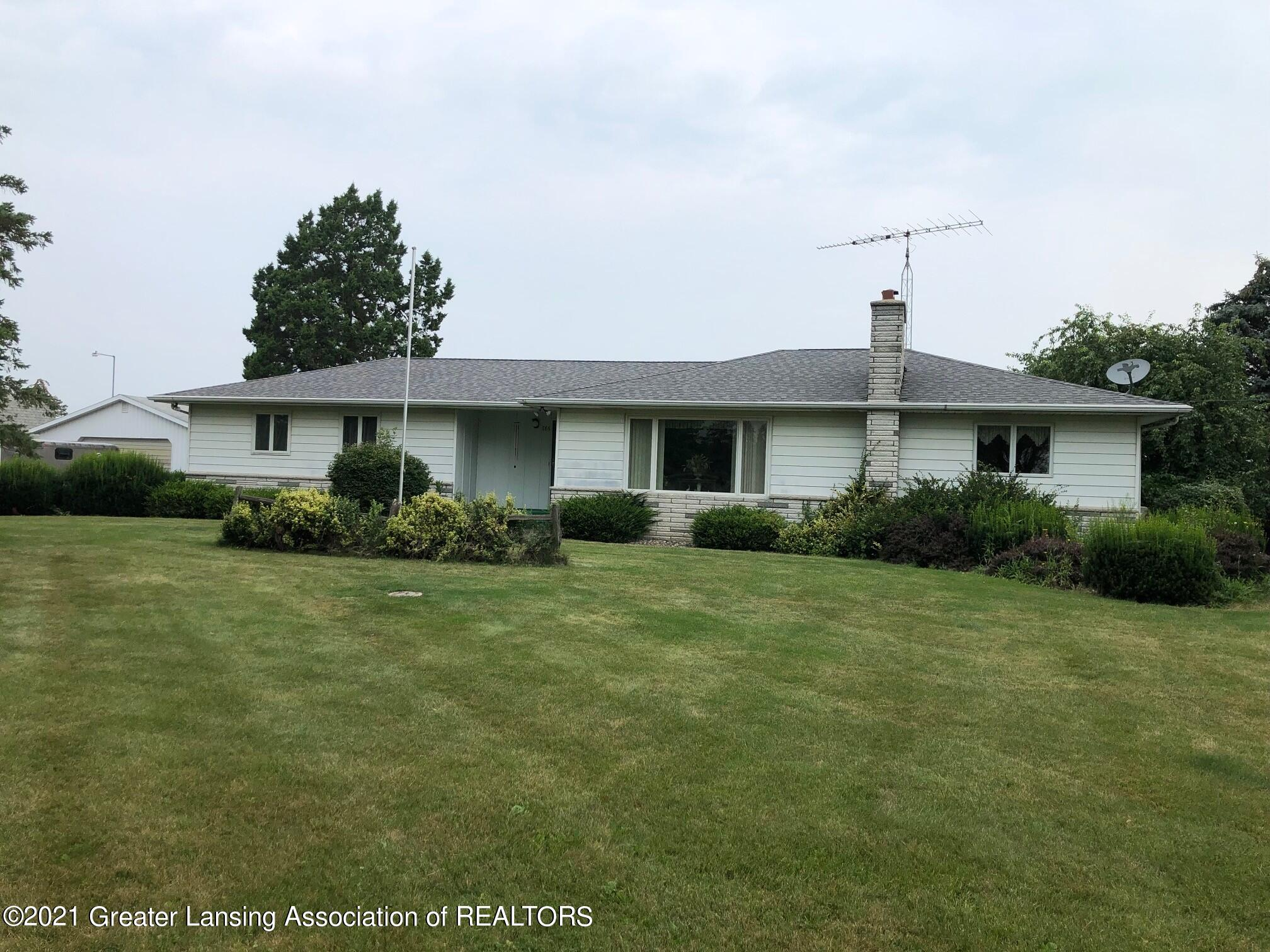 786 W Grand Ledge Hwy - Front of House - 1