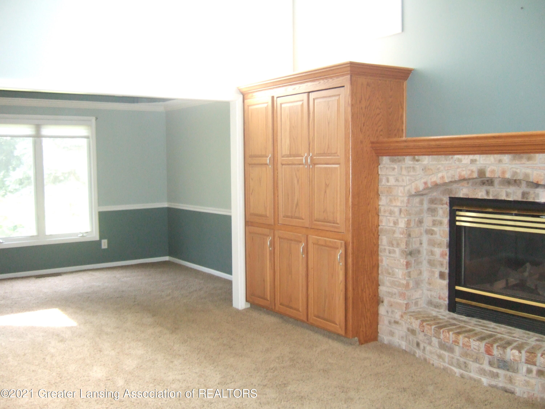 47 E Newman Rd - Living Room - 5
