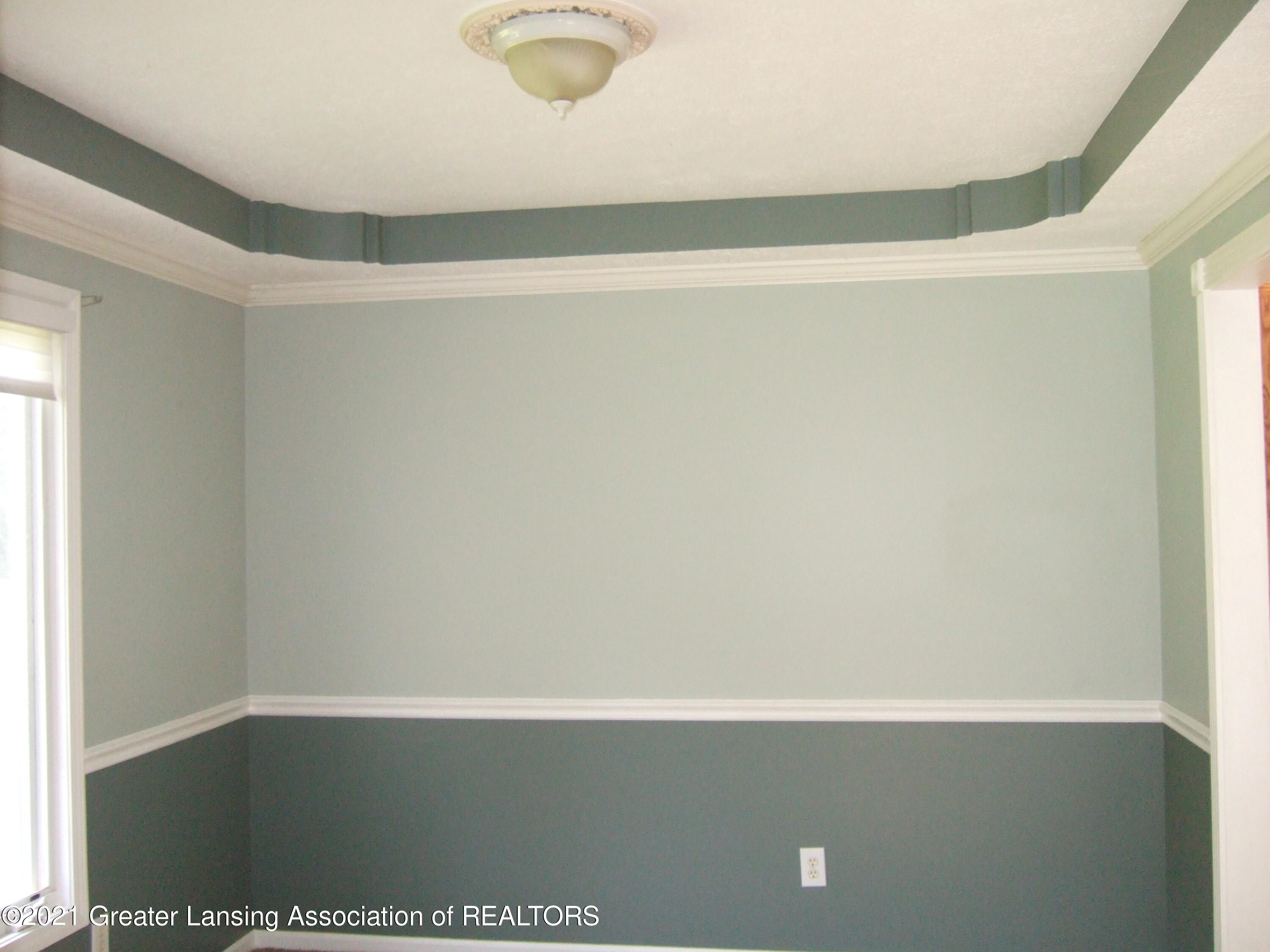 47 E Newman Rd - Dining Room - 7