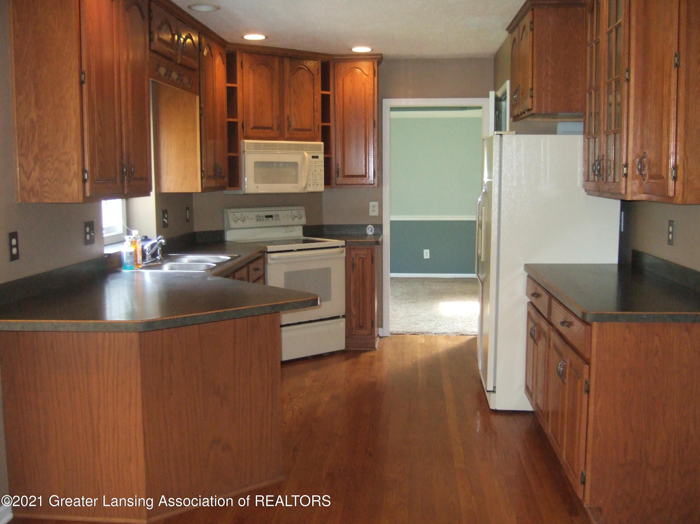47 E Newman Rd - Kitchen - 8