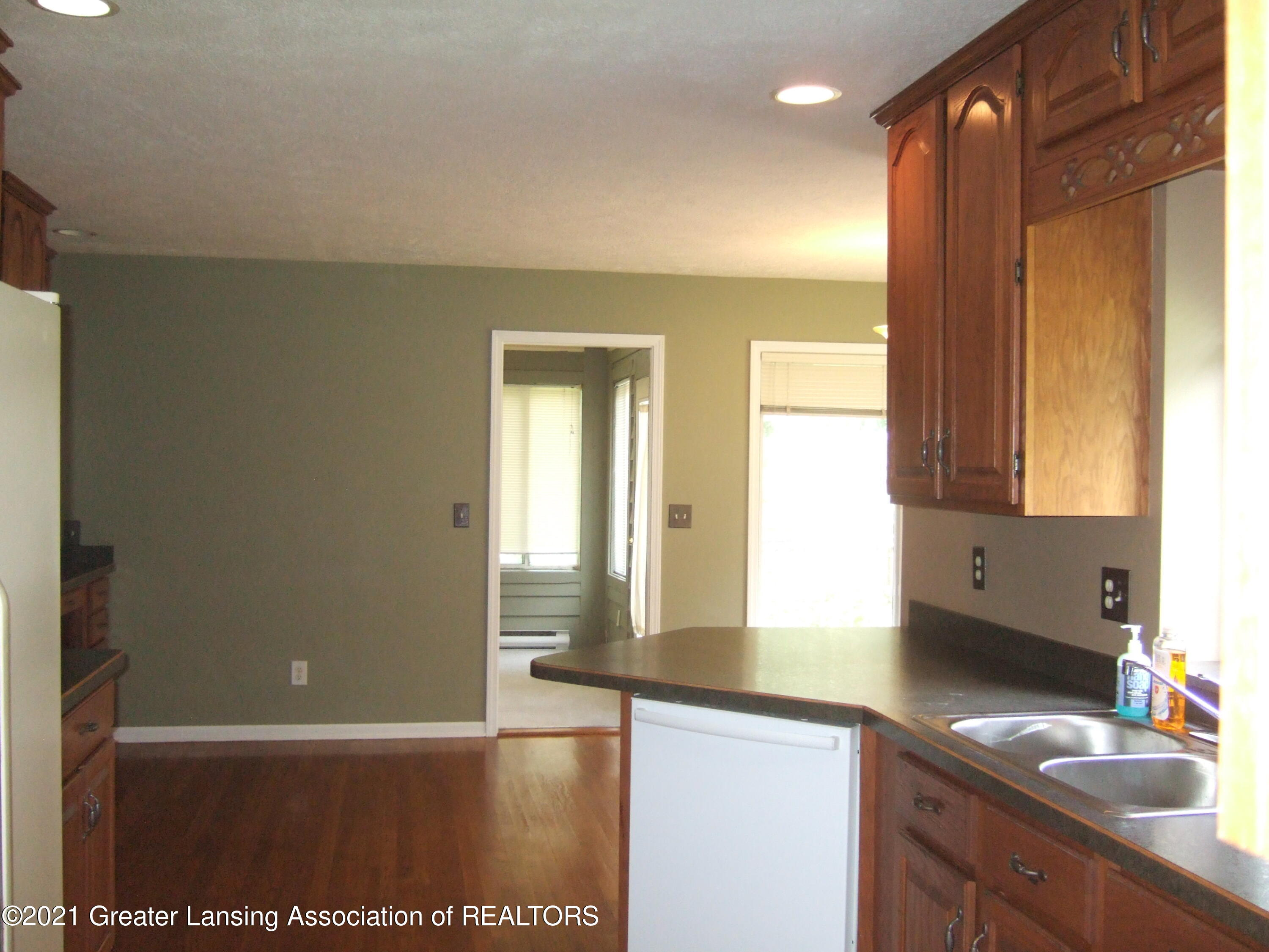 47 E Newman Rd - Kitchen Towards Dining Area - 13