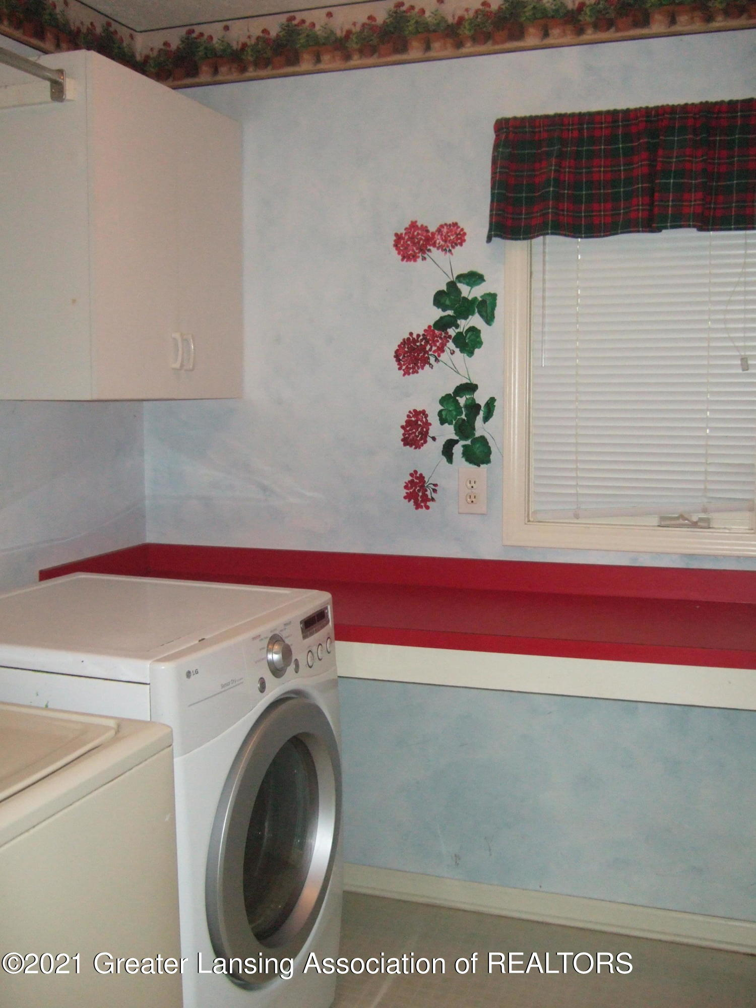 47 E Newman Rd - 1st Floor Laundry - 16