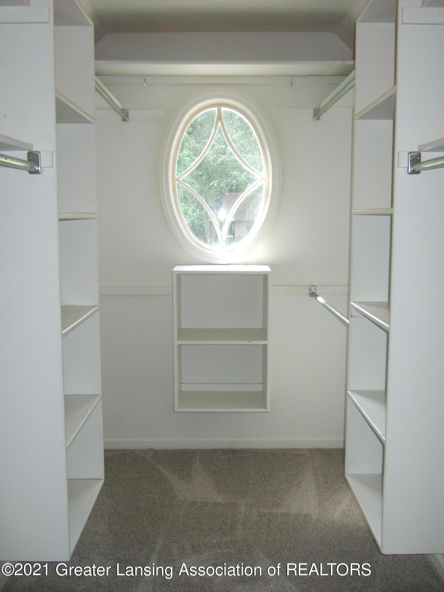 47 E Newman Rd - Primary Walk in Closet - 18