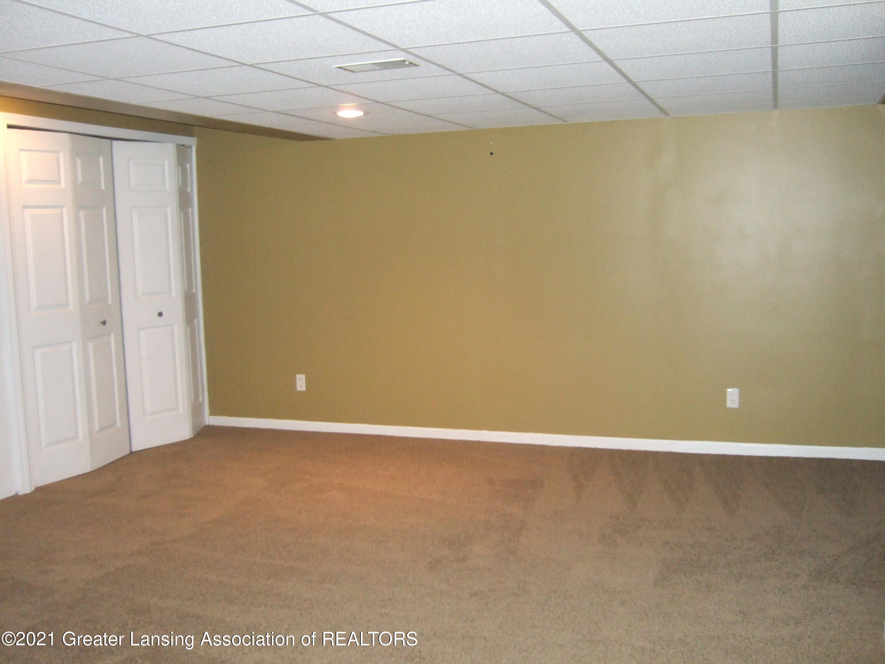 47 E Newman Rd - Finished Room in Lower Level - 27