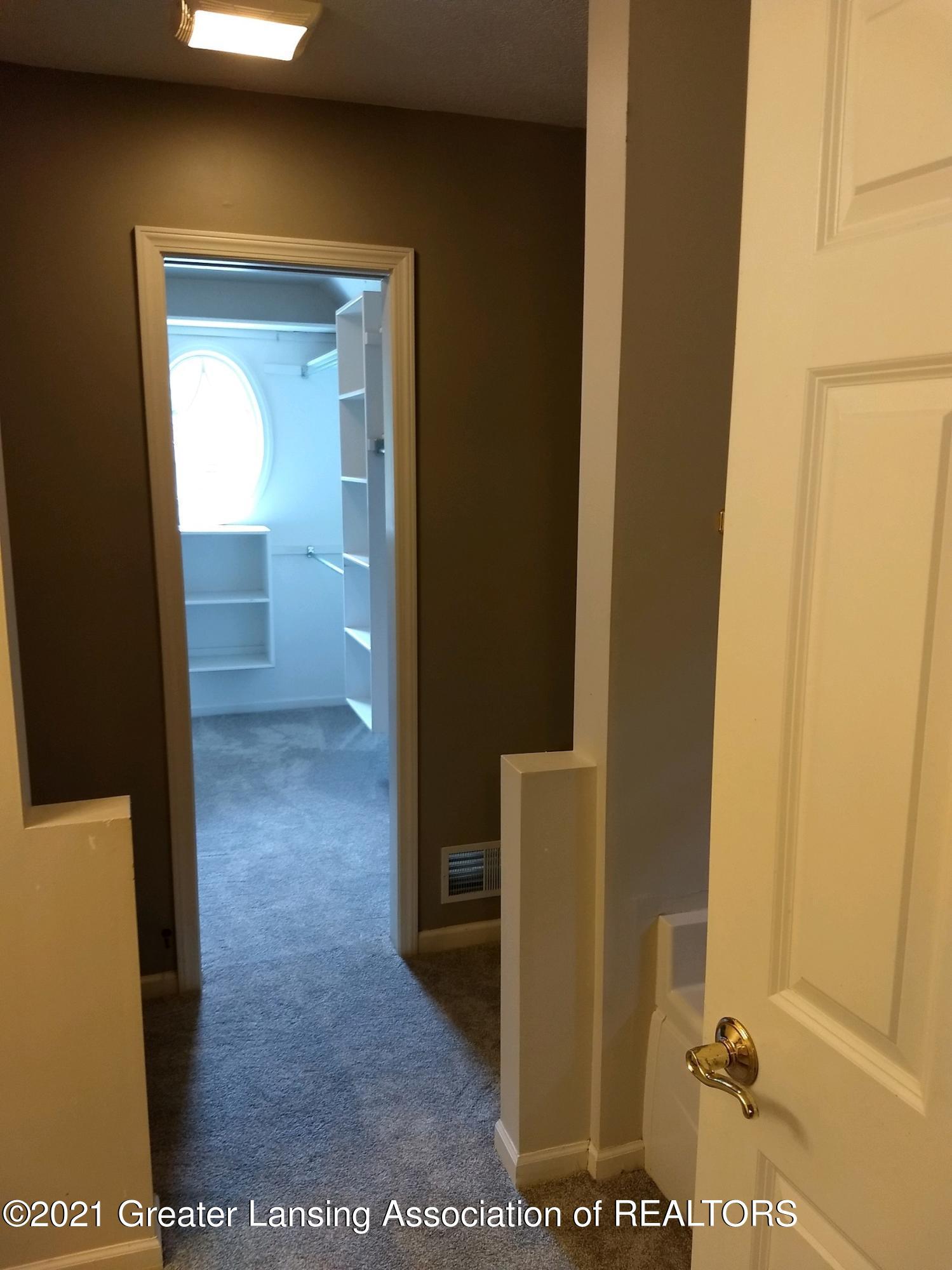 47 E Newman Rd - Primary Walk in Closet Are - 19