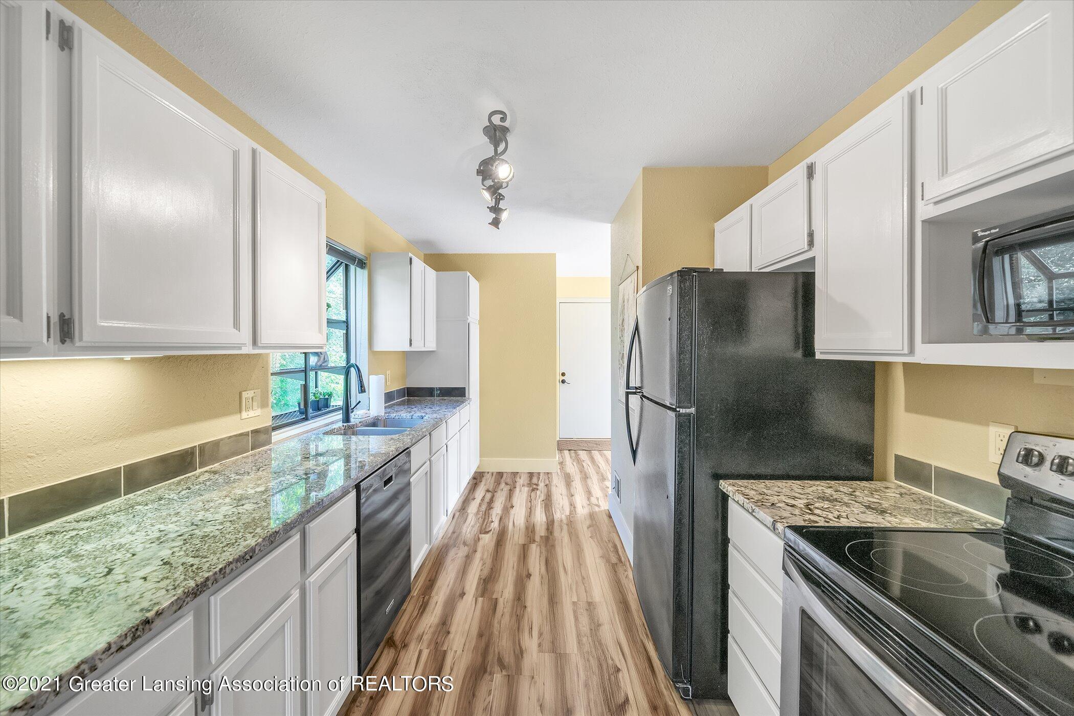 2529 Duryea Ct 40 - (10) MAIN FLOOR Kitchen - 16