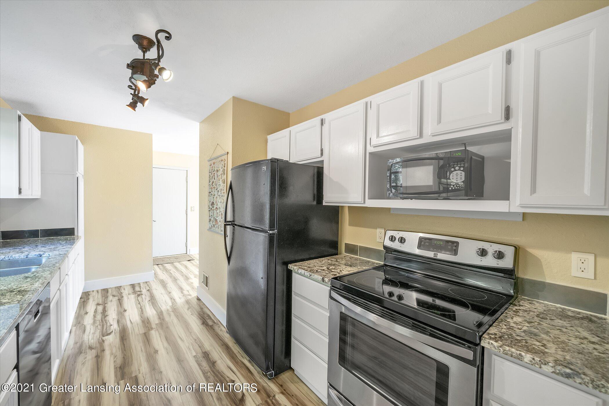 2529 Duryea Ct 40 - (8) MAIN FLOOR Kitchen - 12