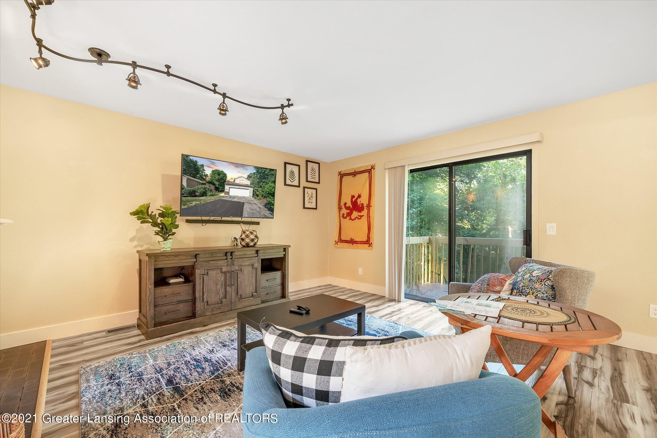 2529 Duryea Ct 40 - (4) MAIN FLOOR Living Room - 32