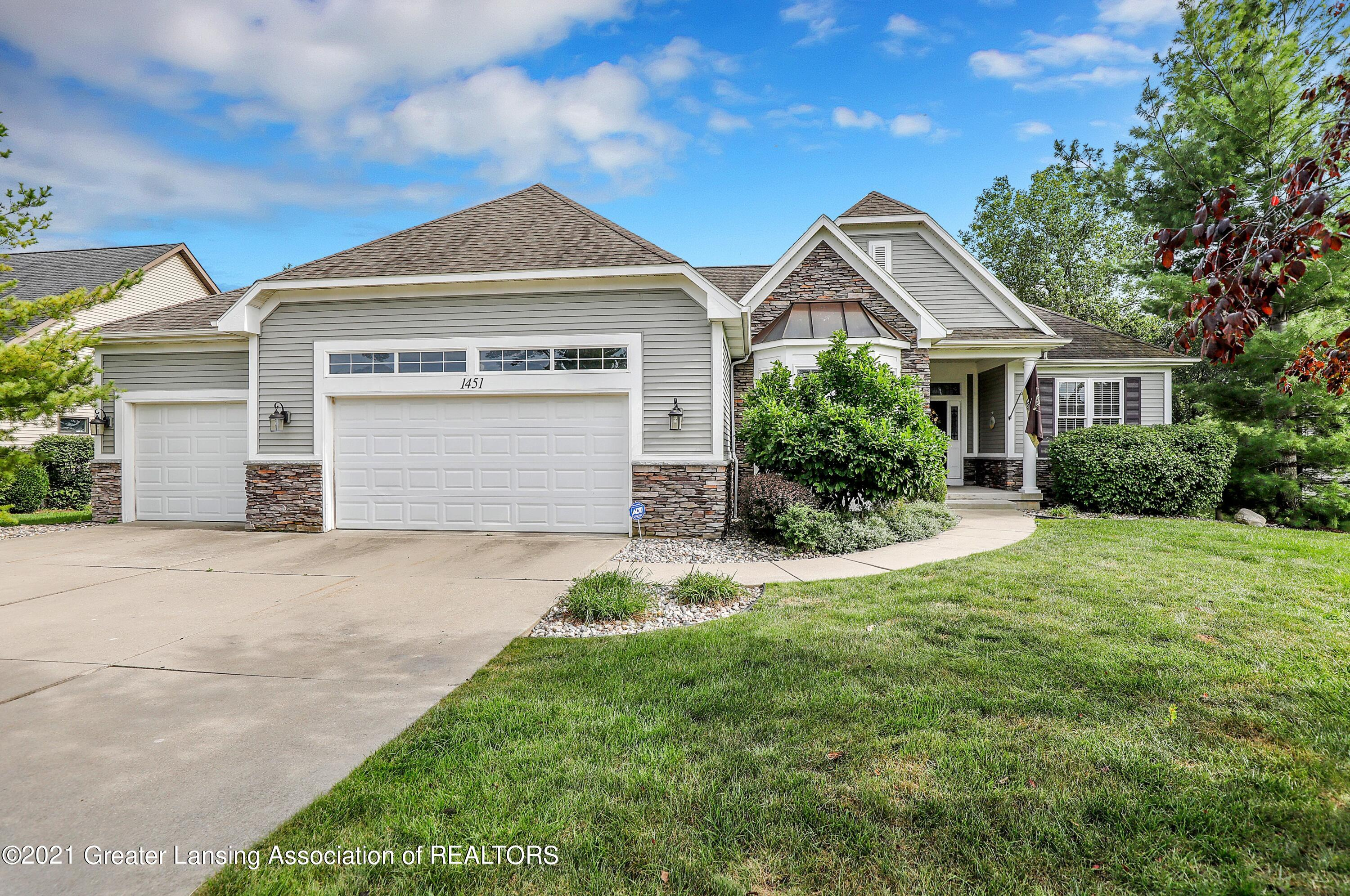 1451 Wellman Rd - Front of House - 1