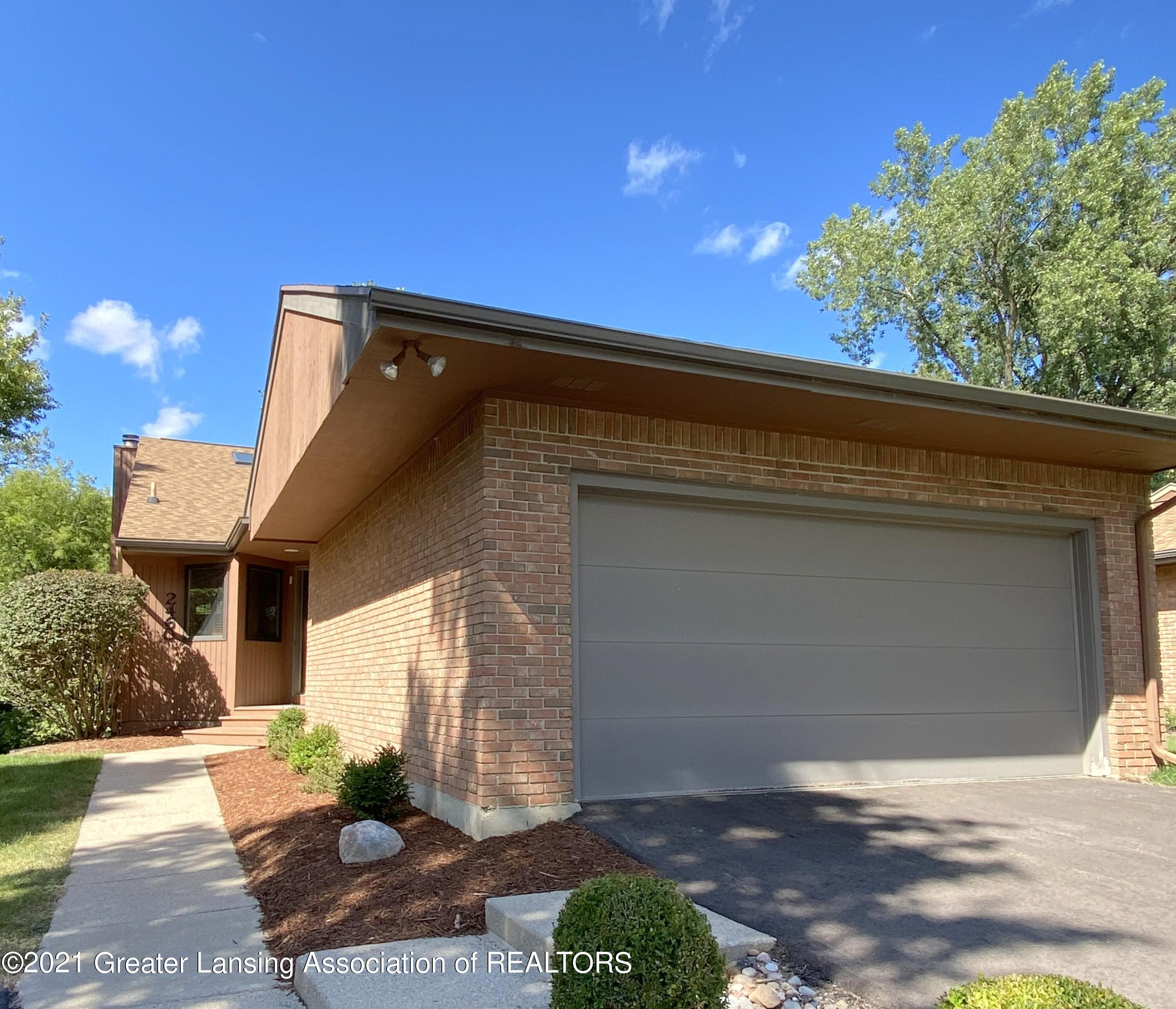 2460 Emerald Lake Dr - Front - 1