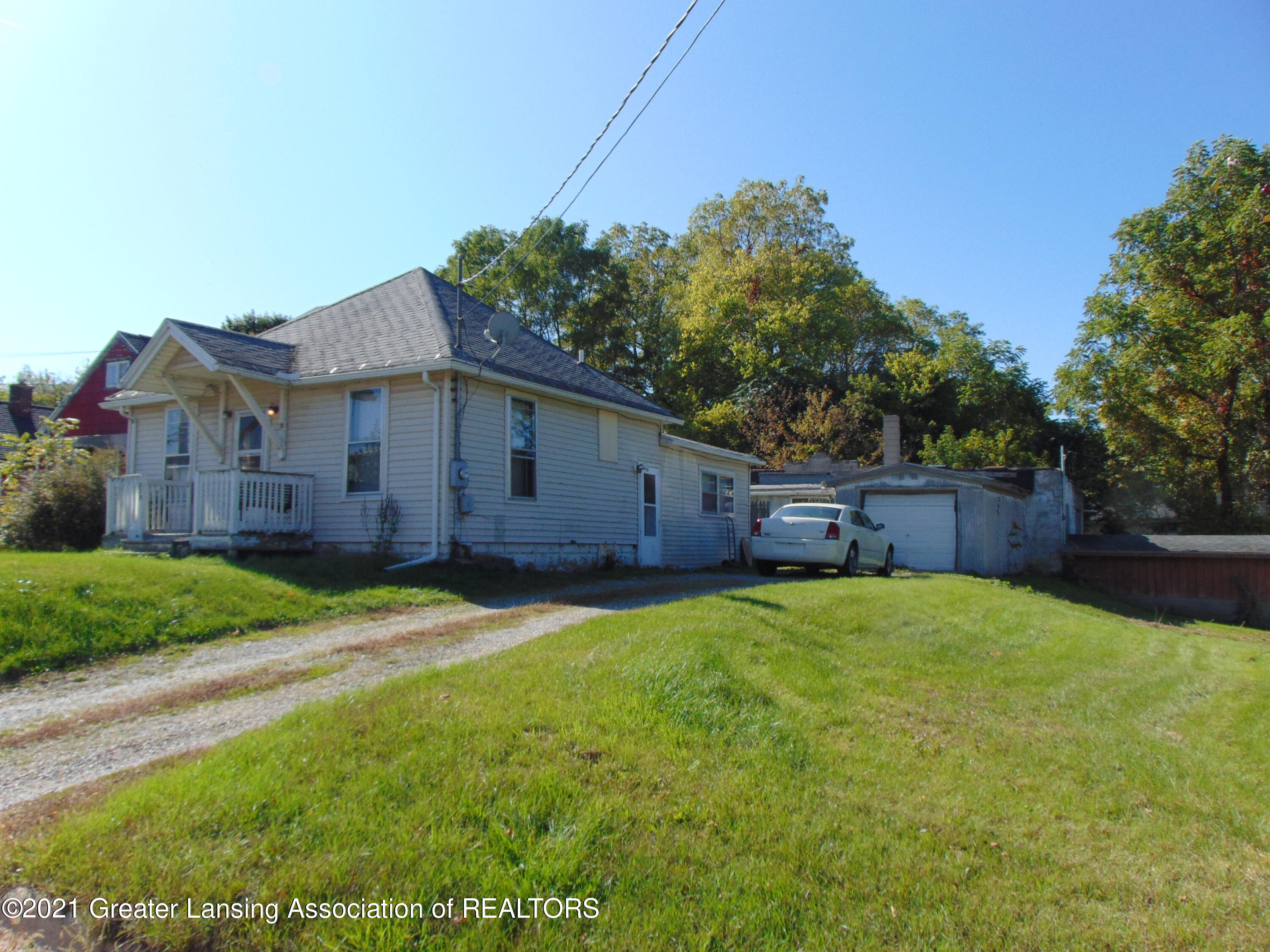 1829 Sunset Ave - sunset pic 15 - 1