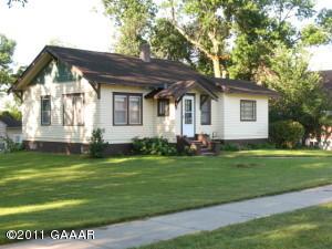 417 2nd Street SE, Elbow Lake, MN 56531