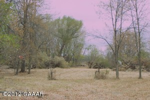 Private, wooded, and there's a perfect spot to build. All this, plus it's a stones throw from Lake Latoka and less than 10 minutes into town. Nice!