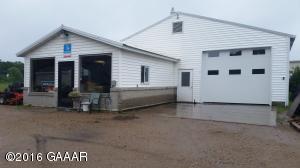 1027 S Otter Avenue, Parkers Prairie, MN 56361