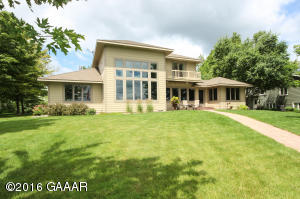 4901 Mill Lake Shores Road SW, Farwell, MN 56327