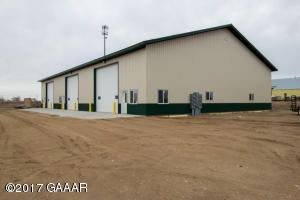 New Year New Location New Building, 40 x 72 -- Snow removal, trash, water & sewer included in lease rate!
