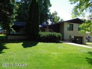 117 3rd Ave SE, Elbow Lake, MN 56531
