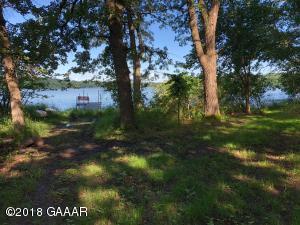 366 & 368 Oak Point Road, Elbow Lake, MN 56531