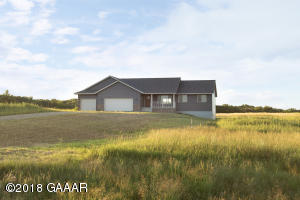 great oversized lot 4.5 acres. room for a pole shed!