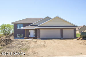 615 7th Avenue W, Osakis, MN 56360