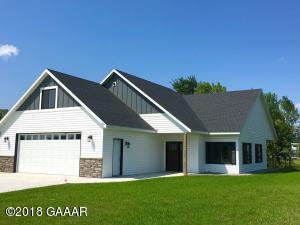 242 Rodeo Road, Alexandria, MN 56308