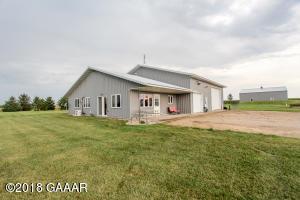 9880 County Rd 3 SE, Osakis, MN 56360