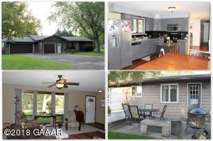 315 Sunset Avenue S, Parkers Prairie, MN 56361