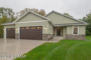 Newly completed construction this immaculate 3 Bedroom 3 Bathroom rambler.