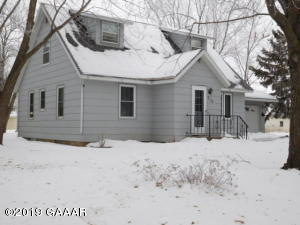 213 N Dayton Ave, Parkers Prairie, MN 56361