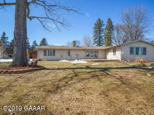 916 Bay Lane NE, Alexandria, MN 56308
