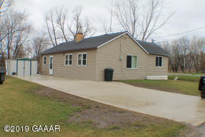130 River Street W, Holdingford, MN 56340